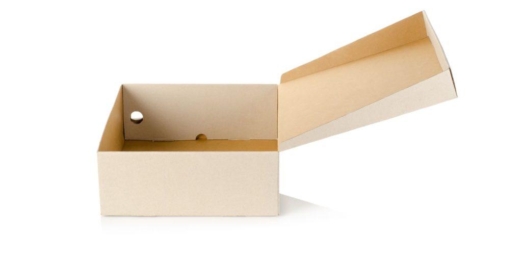 Kartondoboz nyitva